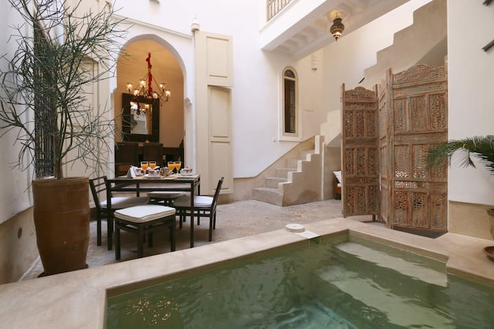 RIAD ETHNIQUE, EXCLUSIVE RENTAL, POOL, WIFI MEDINA