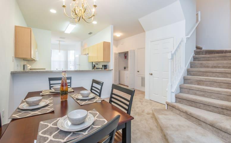 Beautiful Town Home near Disney$$$$ - Kissimmee - Villa