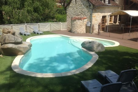Character-filled house with pool - Lissac-et-Mouret