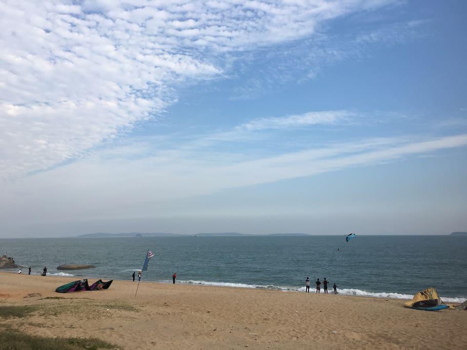 附近的沙滩
