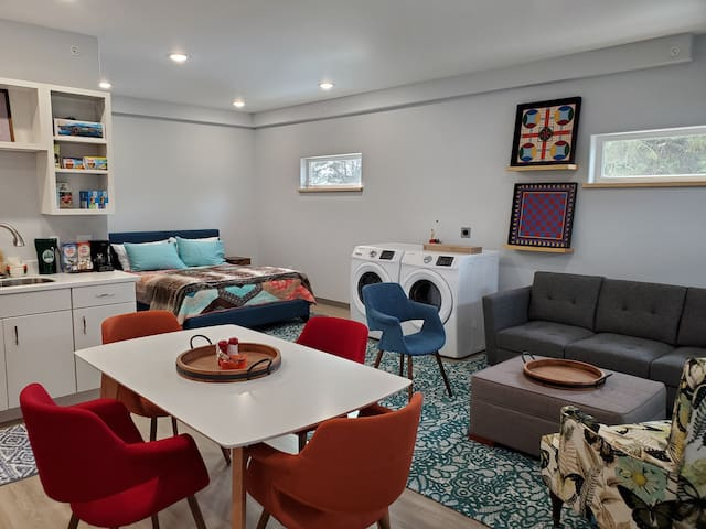 Cozy Upstairs Apartment
