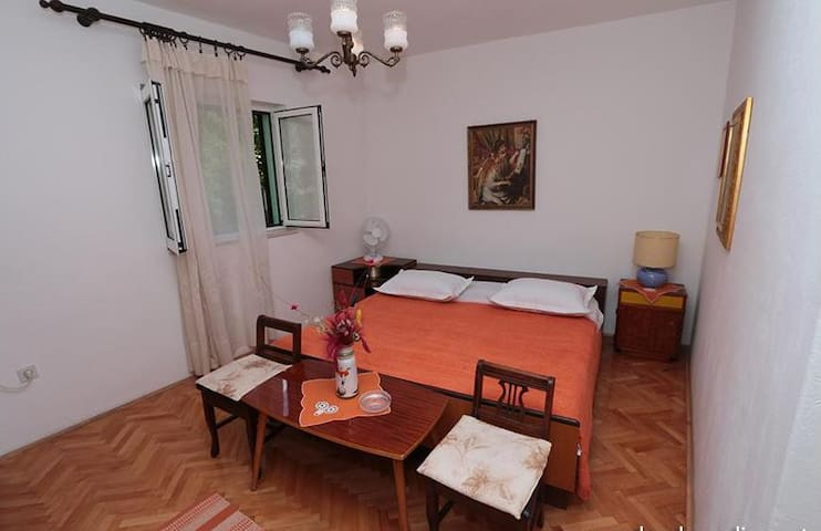 Room  in the center of Makarska - Macarsca - Bed & Breakfast