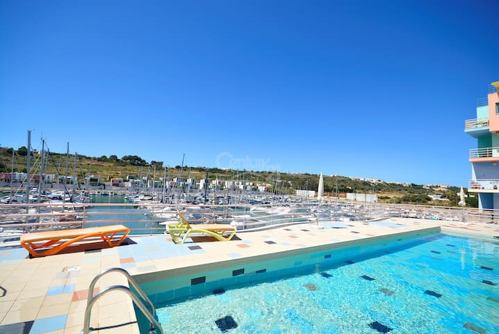 Dolphin T1 apartment in Marina Albufeira