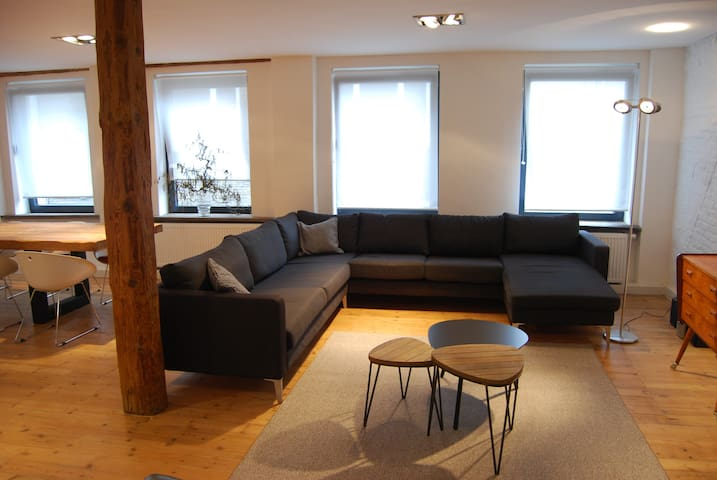 Spacious loft with garage, centrally located - Gand - Loft