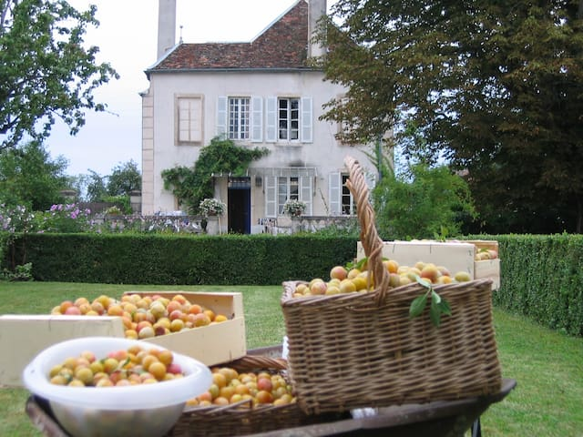 Maison familiale à 10 mn de Beaune - Corberon