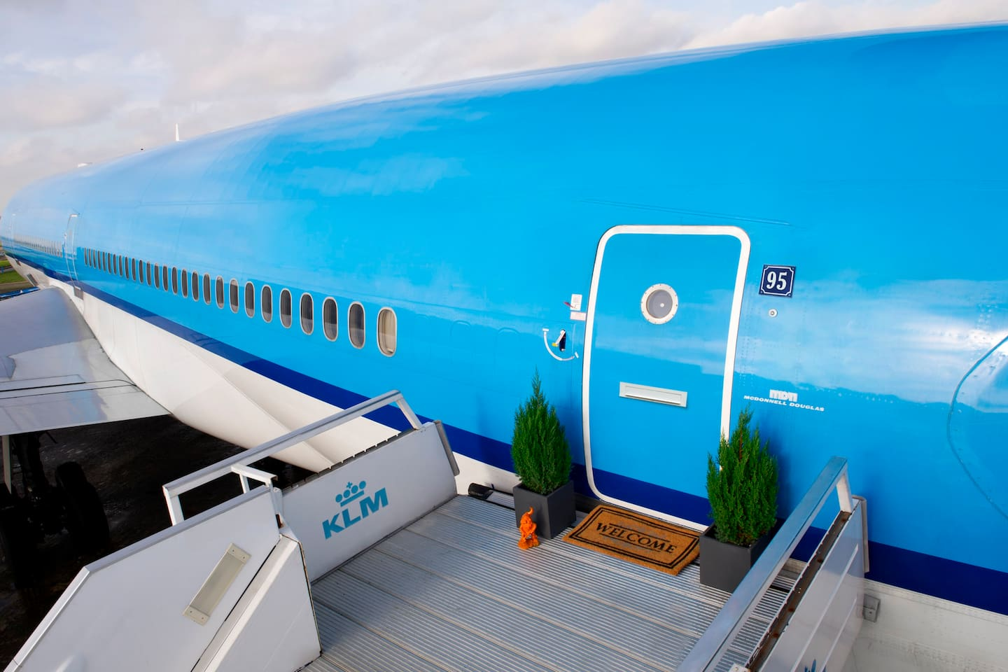 spacious airplane apartment planes for rent in amsterdam airport