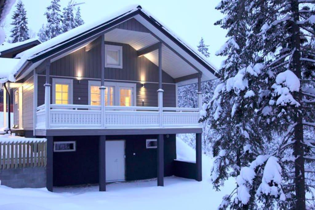 villa sidori 1 h user zur miete in j ms finnland. Black Bedroom Furniture Sets. Home Design Ideas