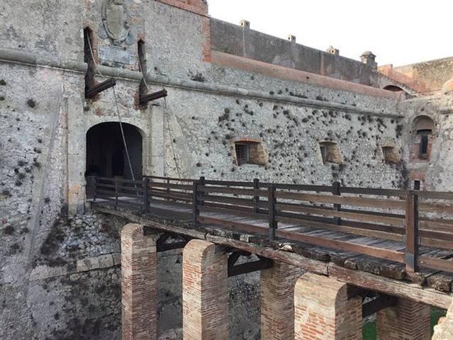 FORTE FILIPPO,COZY APARTMENT IN A FORTRESSS