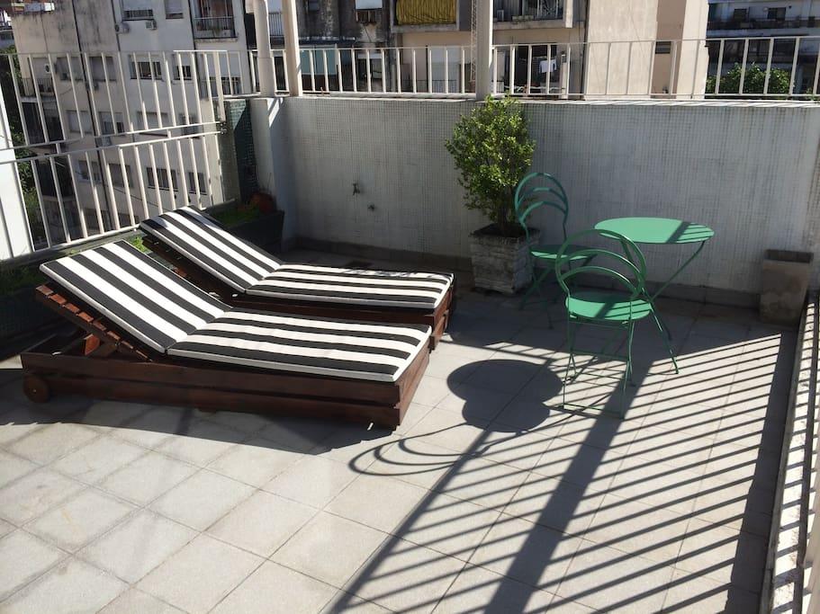 25m² full sunlight terrasse.