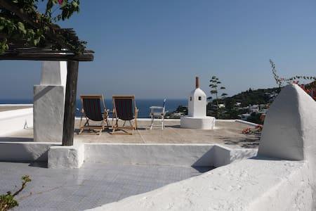 Panarea: beautiful View and quiet