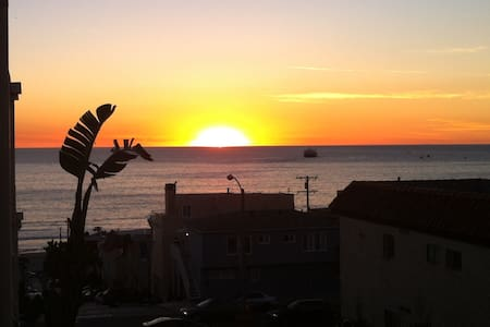 MB-El Porto Beach Getaway!OceanView - Manhattan Beach - Casa