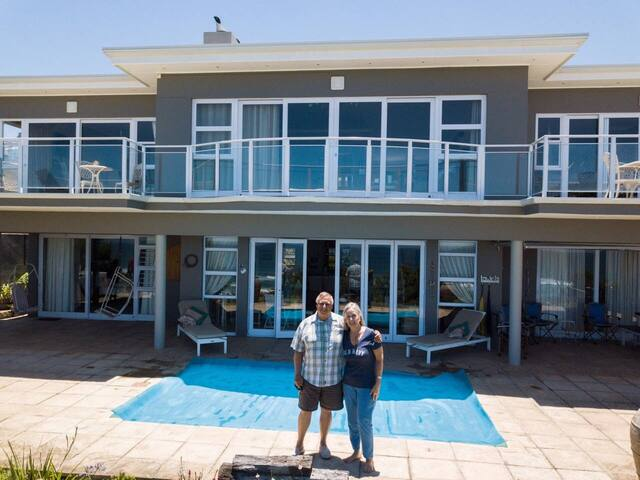 Front view of villa with Chris & Kathy