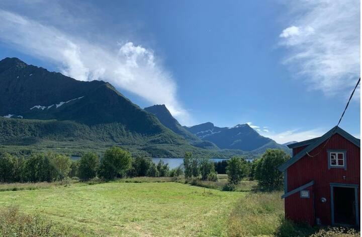 Eget hus i flotte Steigen, ikke langt fra Engeløya