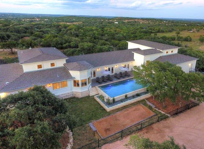 NEW 9000 sqft Estate/Pool/HotTub/Sleeps 46/ 8Acres