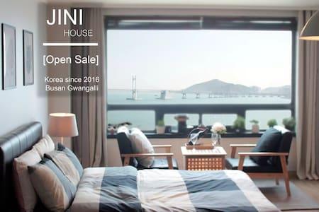#02 광안리오션뷰,해변바로앞/Gwangalli Ocean *JINI HOUSE - 부산광역시