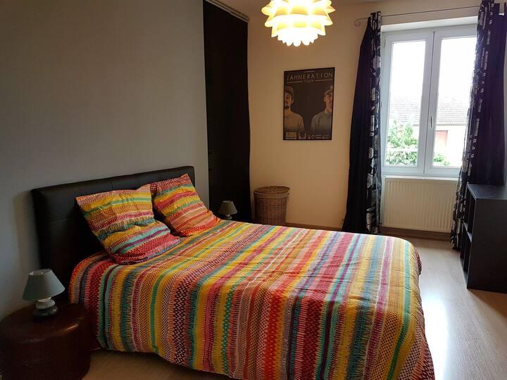 Chambre dans une jolie maison à Poitiers