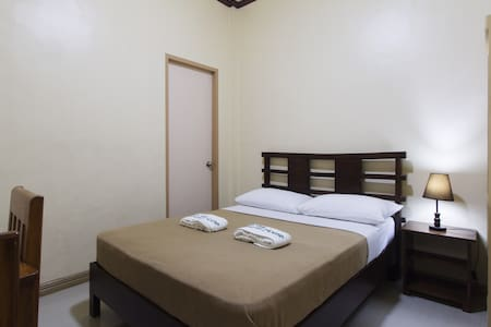 Standard Room with One Double Bed - Tagbilaran City - Hus