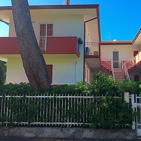 Bilocale a Riccione in zona residenziale