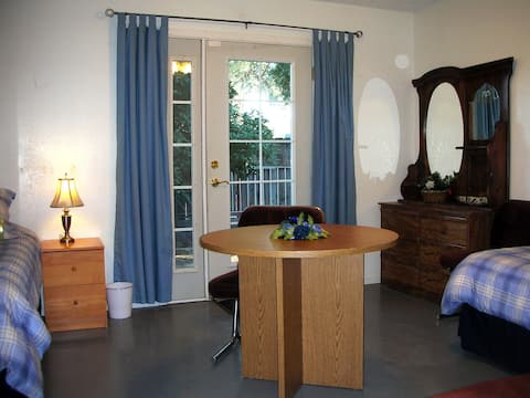 Adler Retreat - Blue Room