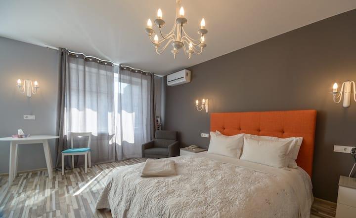 Дизайнерские апартаменты-студио с балконом ID927