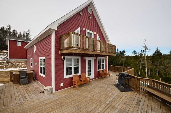 Escape The City to Deer Park Prime Cottage Country