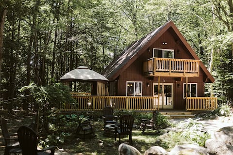 Pine Grove Cabin in Conway, NH