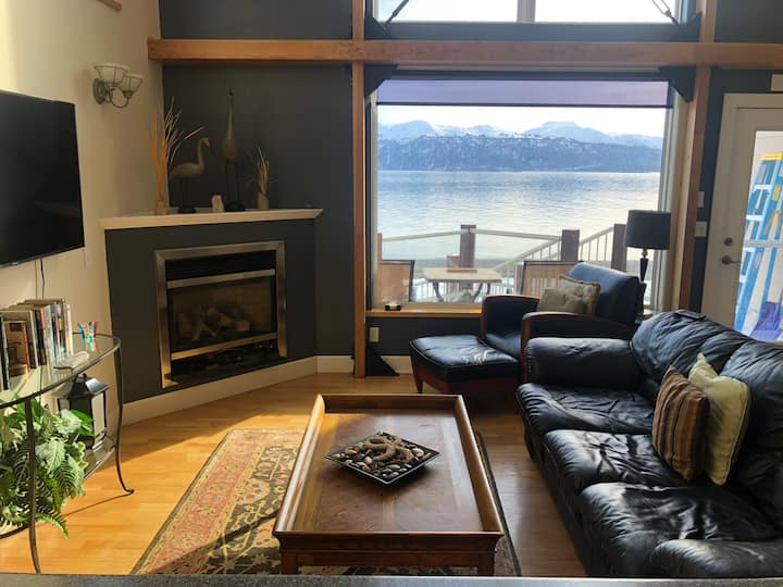 Condo on the Bay w spectacular views