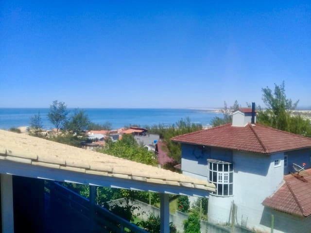 Kitnet 01 ótima opção p/Casal com vista p/o Mar. 🏖