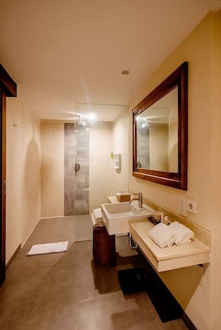 1BR-Sweet & Sistar Night+Romantic Pool+Deluxe Room