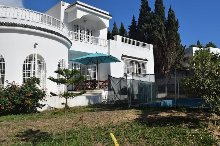 Great  house in Gammarth with a pool