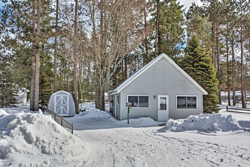 Have a memorable retreat at this Otsego vacation rental home!