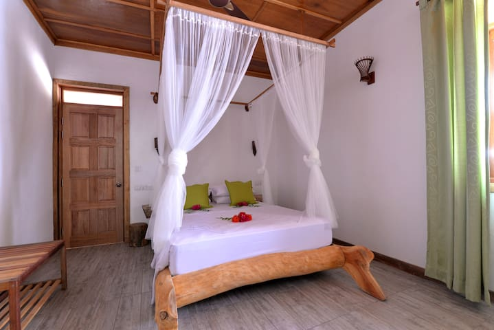 BAANI Hithi (Room 1 of 6) full board & excursions