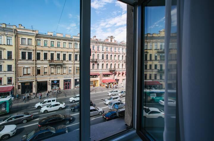 Светлая квартира на Невском,красивый вид на город