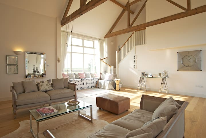 Idyllic rural & coastal Sussex barn - Chichester - Hus