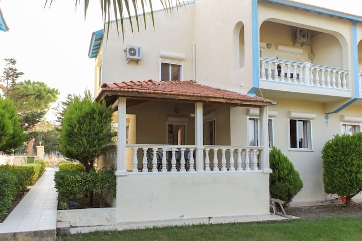 SEASIDE HOLIDAY RENTALS IN CESME - Ildırı - Rumah