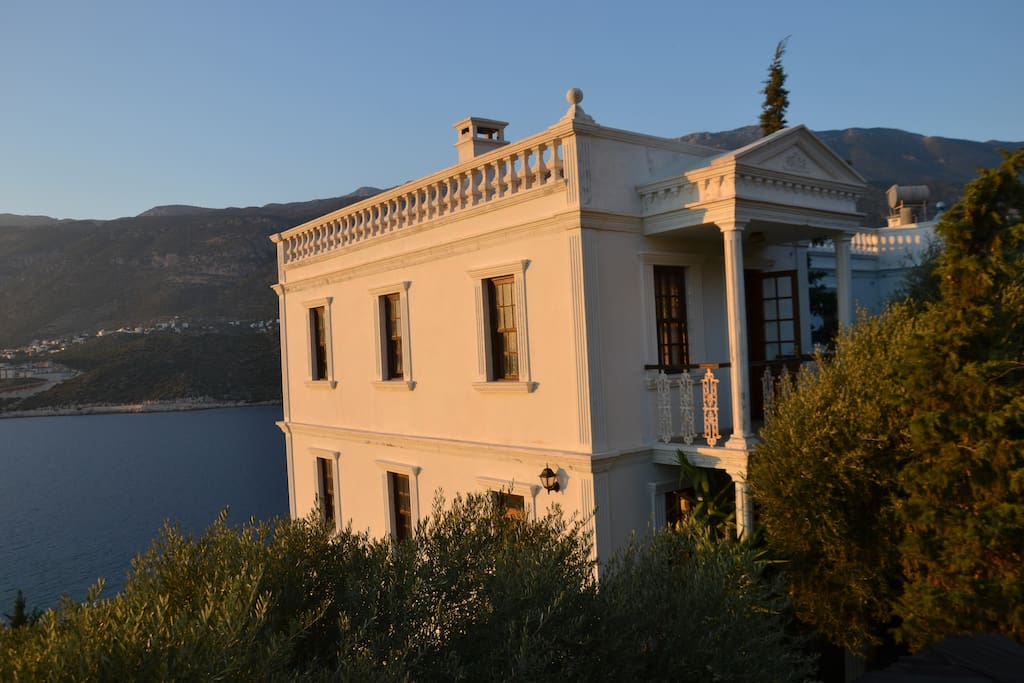 First two of the three floors villa with 4 balconies, three terraces, front and back garden