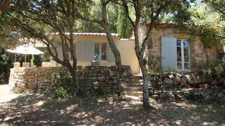 Cottage in the forest, 5km from Uzes.