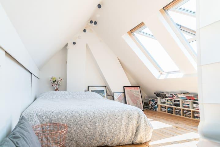Spacious and bright loft next to uni & Radboud UMC