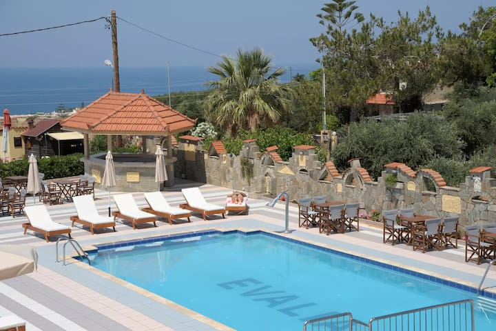 FANTASTIC VIEWS, POOL, HOMEY BED AND BREAKFAST - Anissaras - Daire