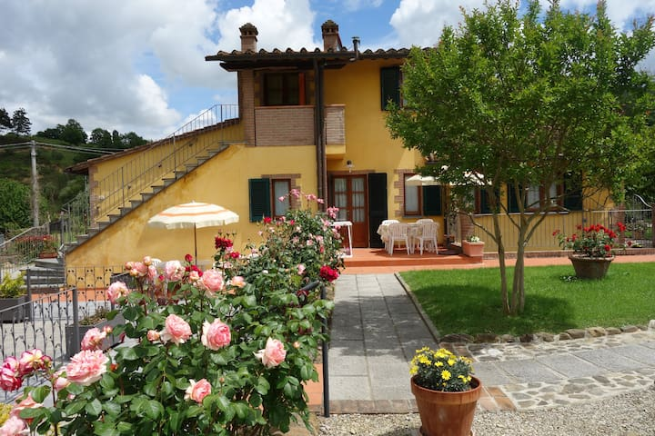 Casa Elisa - Appartamento Albicocco - Montaione - Huoneisto