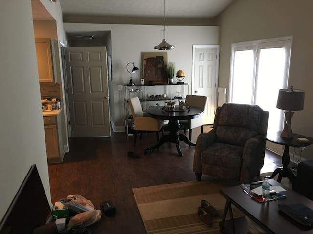 Cozy 2BR 2Bath Cumming Home Near Lake Lanier - Cumming - House