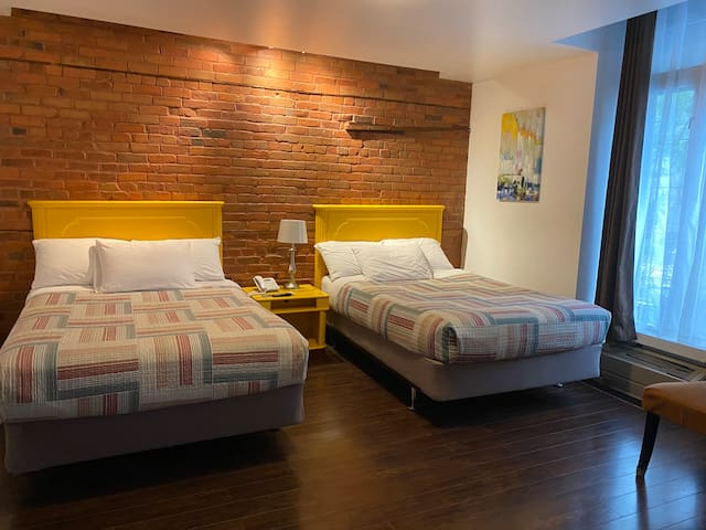 Private room, 2 double beds in the best location
