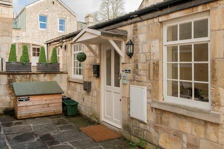 The Old Smithy Loft, city centre - Bath - Pis