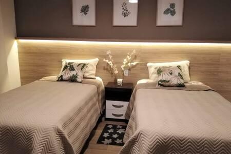 AJAYU - Habitación amplia y cómoda