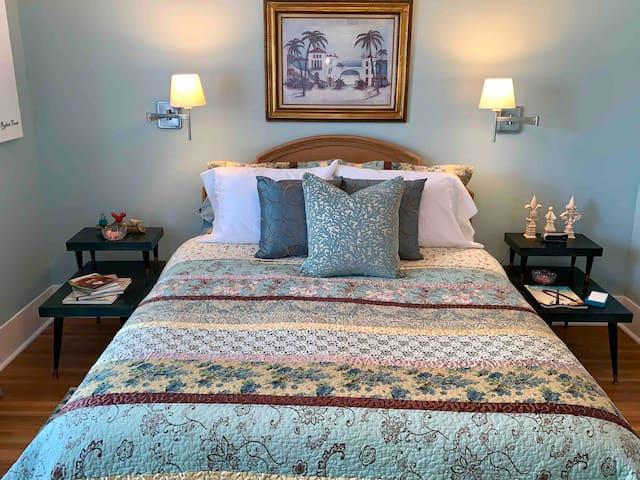 Inn at River Street: Frost Room