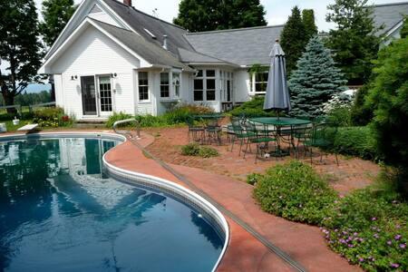 Long Shadow Farm Guest Suite - Morristown - Casa