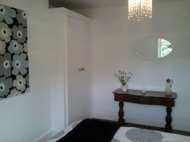 The Lookout  fab spacious apartment - Broadstairs - Leilighet