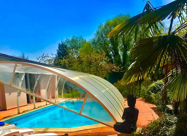 VILLA Lilly - piscine -spa- jardin - 10 chambres