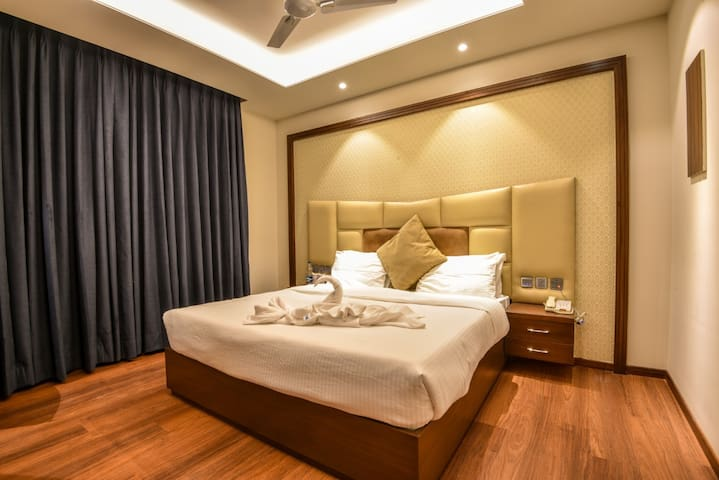 Exquisite Family Suite Rooms At Palampur