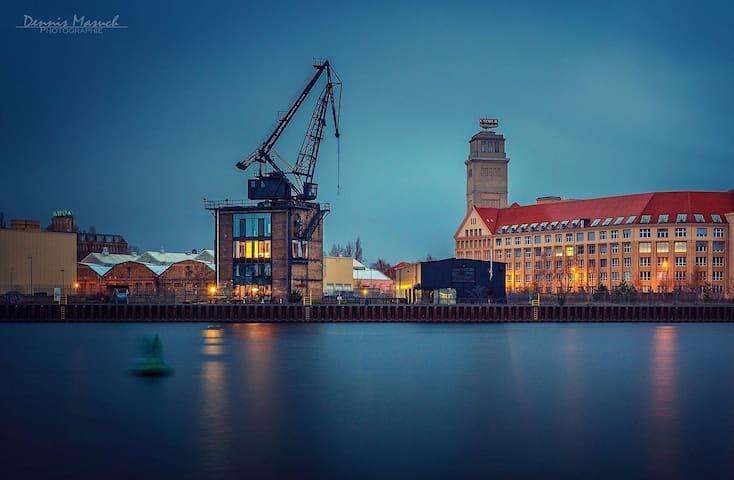 Kranhaus on the riverside Berlin - Berlin - Loft